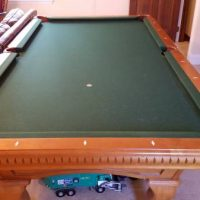 Custom 8ft Fischer pool table, perfect condition