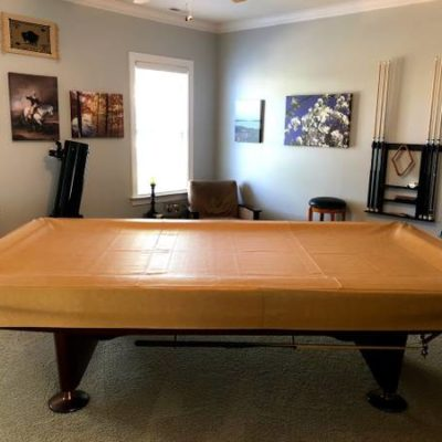 Pool Table - Brunswick Gold Crown IV - Excellent Condition